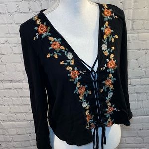 AMERICAN EAGLE Embroidered Tie Front Top